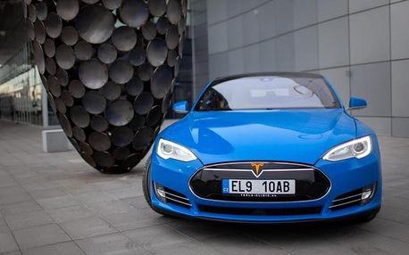 Jízda v elektromobilu Tesla S P85D