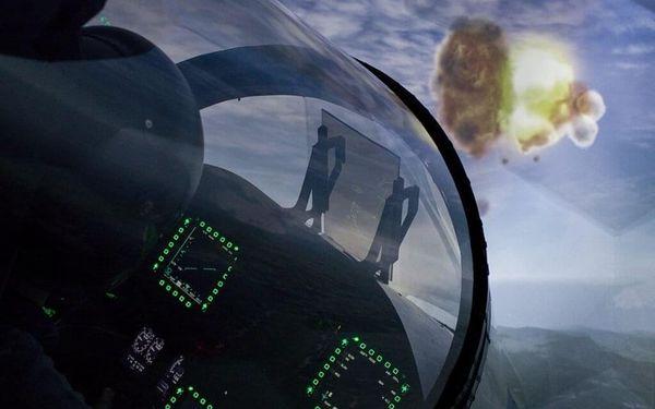 Pilotem na zkoušku Brno: simulátor letu ve stíhačce F/A-18 Hornet po 15 minut4