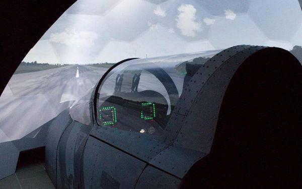 Pilotem na zkoušku Brno: simulátor letu ve stíhačce F/A-18 Hornet po 15 minut5