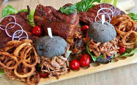 Masové prkno: burger, grilované žebro i koleno