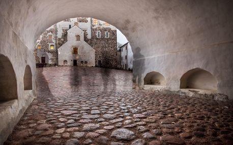 Venkovní šifrovací hra: vydejte se po stopách duchů staré Prahy!