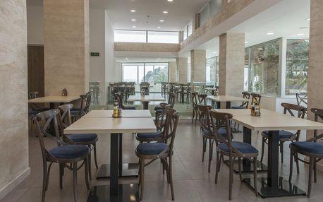 Pobyt v Černé Hoře pro 2 osoby s polopenzí a soukromou hotelovou pláží