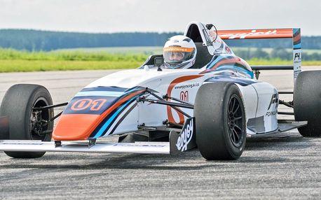 Staňte se pilotem závodní formuli F4