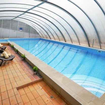 Maďarsko u termálních lázní v Panoráma Hotelu Noszvaj s wellness s panoramatickou vířivkou, vínem a polopenzí