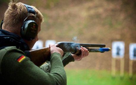 Střelba na venkovní střelnici Milovice