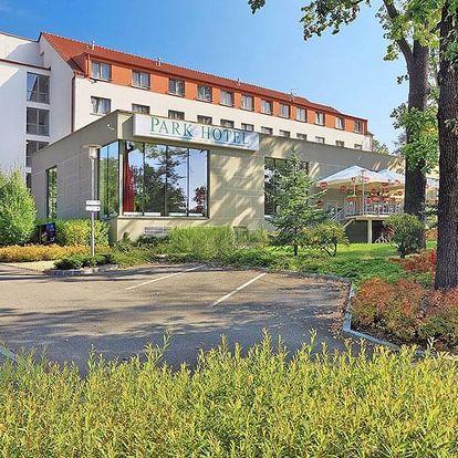 Hluboká nad Vltavou ve 4* hotelu s wellness balíčky a snídaní nebo polopenzí