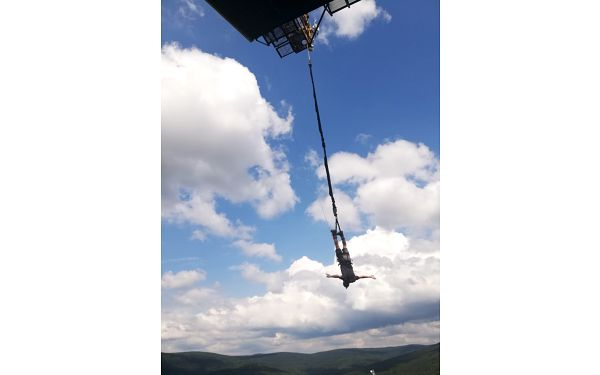 Bungee katapult na jeřábu až do výšky 36 metrů2