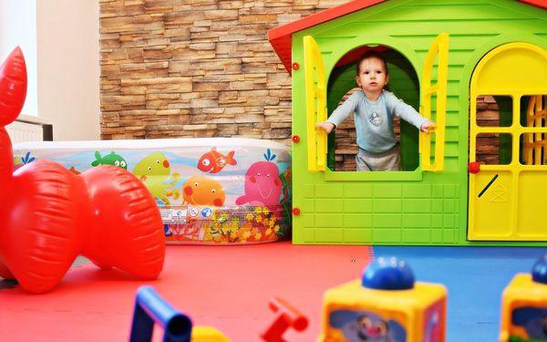 Kavárna s hernou: vstupy pro děti a občerstvení