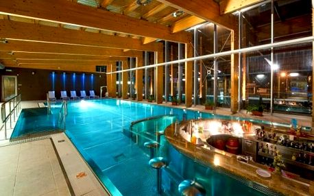 Vysoké Tatry: Hotel Tatranec u Lomnického štítu se slevami do aquaparků, saunou a polopenzí