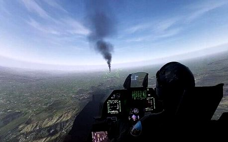 Let na simulátoru stíhačky F-16 Fighting Falcon