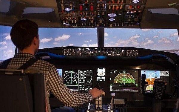 Let na simulátoru v Boeingu 737 MAX   Brno   celoročně   45 min. let + instruktáž4