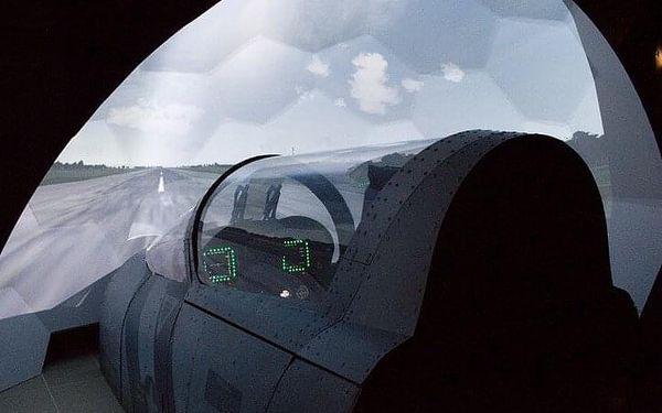 Let na simulátoru stíhačky F/A-18 Hornet   Brno   Celoročně.   45 min. let + instruktáž.4