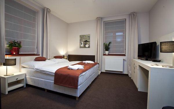 Dvoulůžkový pokoj Standard s manželskou postelí nebo oddělenými postelemi2