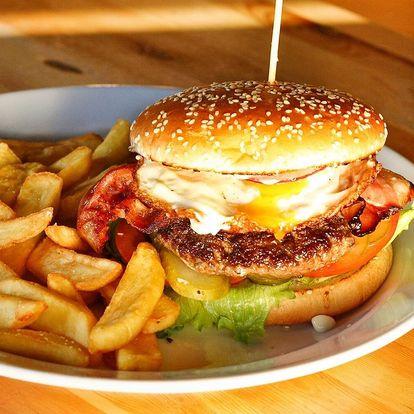 Hovězí burger s vejcem a hranolky pro 1 i 2 os.