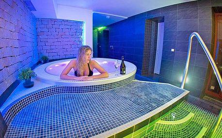 Lázně Jeseník v hotelu s wellness s vyhřívaným bazénem se slanou vodou a polopenzí
