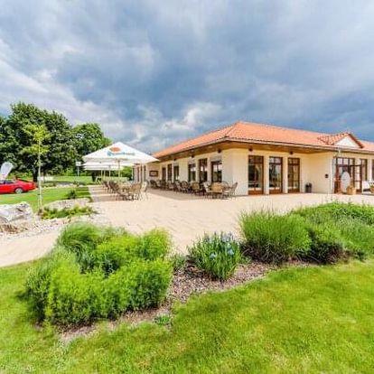 Slavkov u Brna: Léto v Hotelu Austerlitz Golf *** se zapůjčením golfových holí, vstupem na hřiště a polopenzí