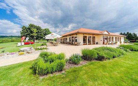 Slavkov u Brna: Léto v Hotelu Austerlitz Golf *** s koupalištěm, zapůjčením golfových holí a polopenzí
