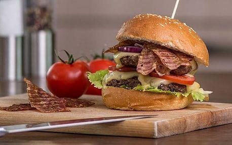 100% hovězí burger z jihočeského chovu s americkou BBQ omáčkou