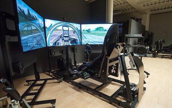Let na pohyblivém leteckém simulátoru   Brno   Celoročně.   120 minut.4