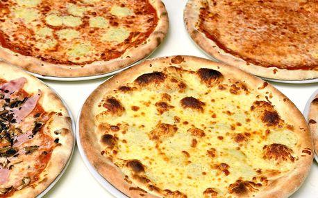 Pizza u Karlova mostu: 1 až 5 pizz s sebou