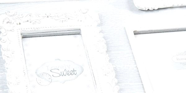 Dřevěný závěsný fotorámeček Melody, 42 x 42 cm3