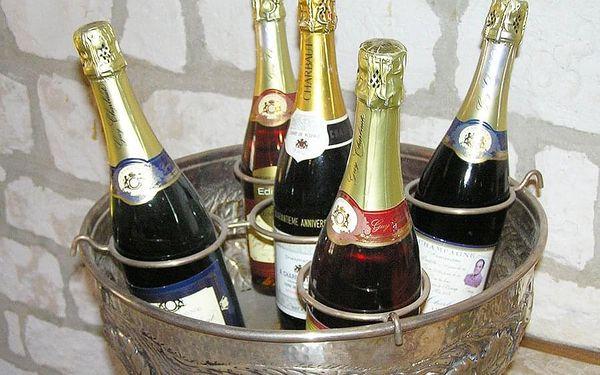 Champagne party pro novomanžele   Praha   Celoročně dle vypsaných termínů.   2-3 hodiny.4