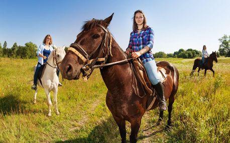 Vyrazte ven: hodinová vyjížďka na koni pro dva
