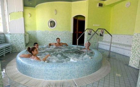 Hajdúszoboszló, Hotel Rudolf** s termálními bazény