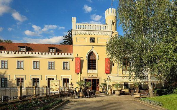 Odpočinek na zámku Chateau St. Havel pro dva — 2× noc v Deluxe pokoji + relax ve vířivce nebo sauně, Praha, 2 noci, 2 osoby, 3 dny2