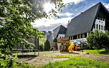 Jarní a letní pobyt v Harrachově: polopenze a relax