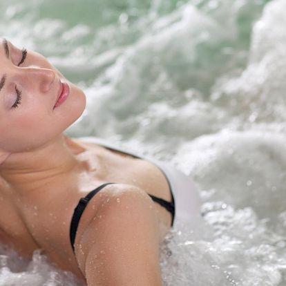 Privátní vířivka s finskou saunou a sektem pro 2