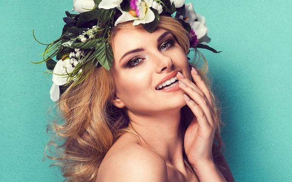 Hýčkající kosmetický a kadeřnický balíček pro dámy