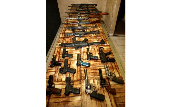 Standard – 4 zbraně a 40 nábojů2