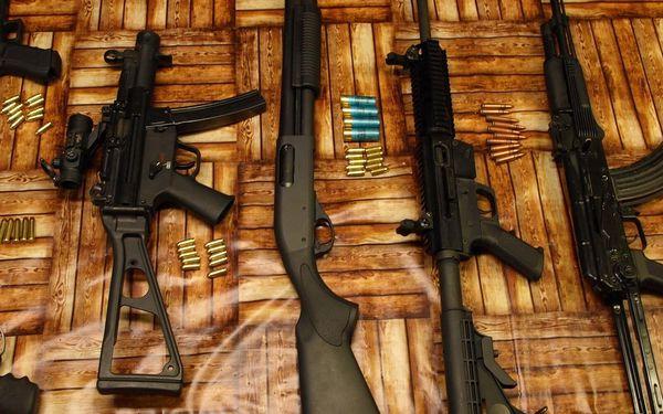 Standard – 4 zbraně a 40 nábojů4