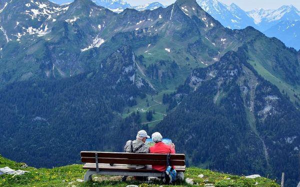 Pěšky za krásami rakouských jezer, autobusem, snídaně v ceně3