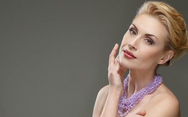 Kosmetické ošetření a fotoomlazení obličeje, krku a dekoltu + aplikace kyseliny hyaluronové2