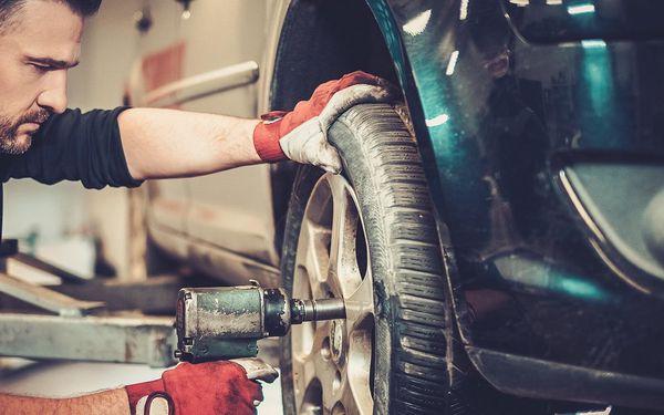 Výměna pneumatik i s vyvážením a dohuštěním