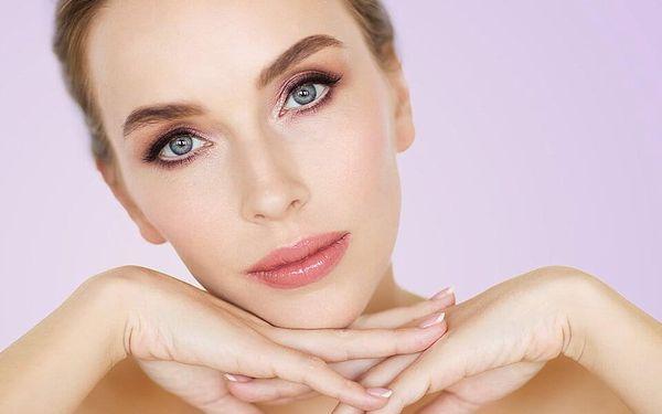 Nabité kosmetické balíčky: péče o pleť i dekolt