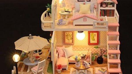 Domeček pro panenky V02