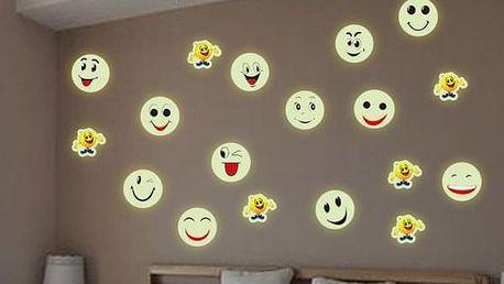 Svítící samolepka na zeď ve tvaru smajlíka