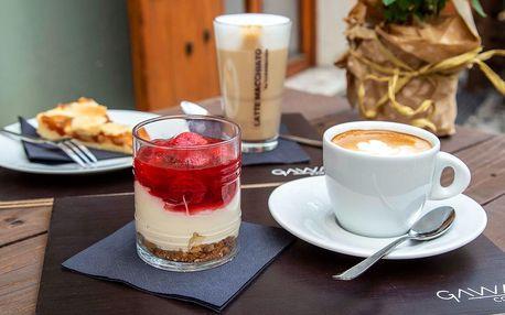 Káva nebo čaj s domácím dortem zcela podle chuti
