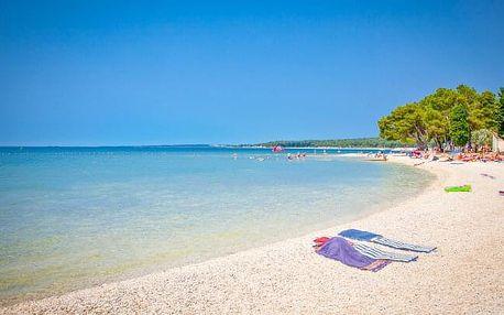 Chorvatsko jen 500 m od moře v Premantura Dom Apartments s půjčením a úschovnou kol + polopenze