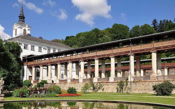 Hotel přímo u zámku Lysice na jižní Moravě s polopenzí a bazénem