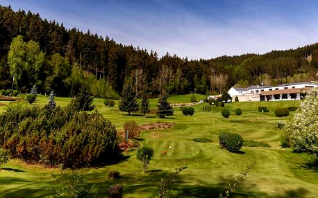 Luxusní Cihelny Golf & Wellness Resort**** u Karlových Varů s wellness a golfem