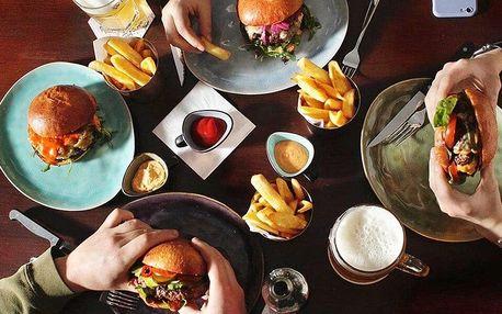 Burger dle výběru s hranolky nebo coleslawem