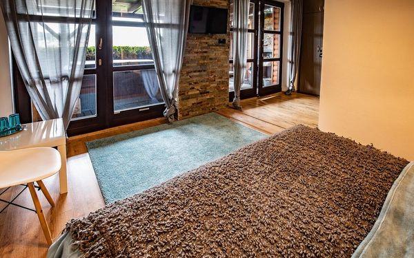 Zahradní apartmá s vířivkou a finskou saunou | 2 osoby | 2 dny (1 noc)3