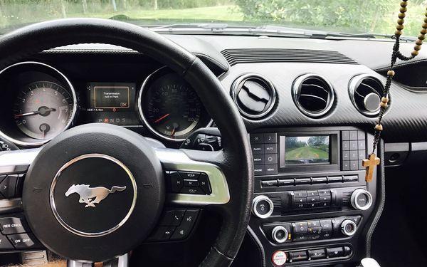 Ford Mustang kabriolet na den (neomezený počet řidičů a km)2