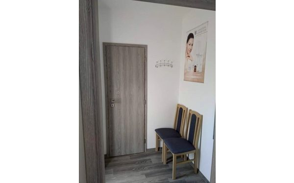 Kosmetické ošetření s masáží obličeje, krku a dekoltu3