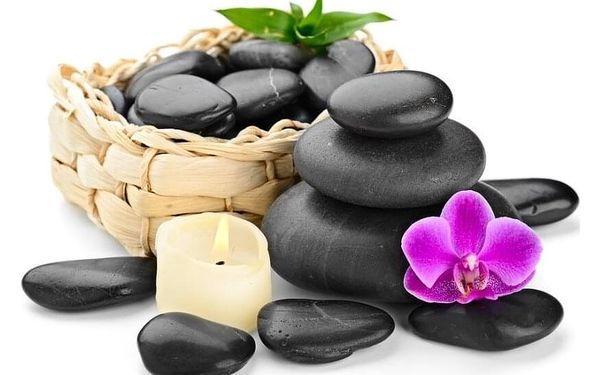 Masáž zad, šíje a regenerace lávovými kameny3