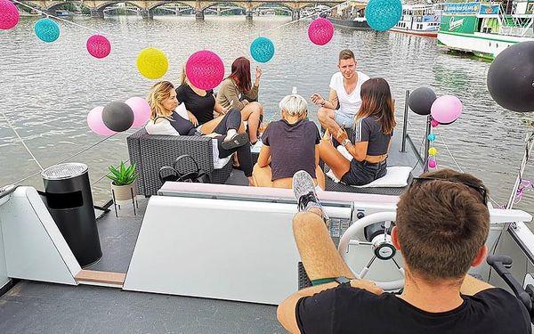 Pánská jízda - plavba po Vltavě | Praha | 15. duben -15. říjen (večer PO – ČT 19-22h + NE a státní svátky). | 3 hodiny.5